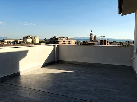 Studio flat with spacious terrace in Foligno (9)