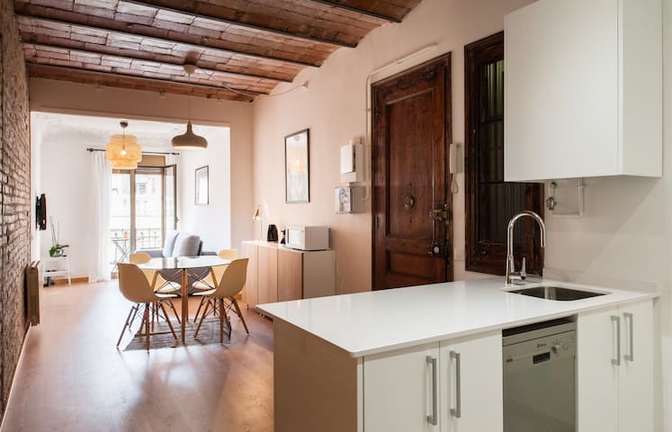 Modern and stylish apartment in Poble Sec