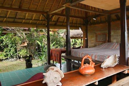 Open air Balinese garden pavilion - Denpasar - House