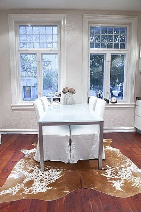 Kitchen dining table for up to 8 people