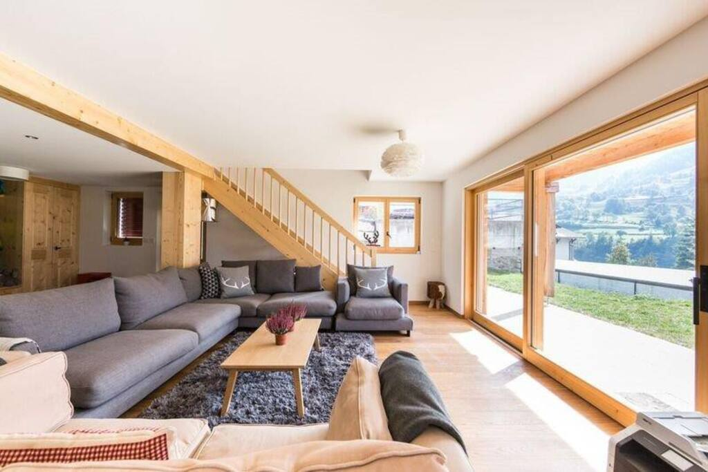 GF Open plan living room leading to big garden
