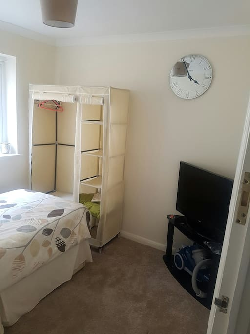"""Cosy Single Bedroom with 32"""" TV with USB Freeview box and canvas wardrobe"""