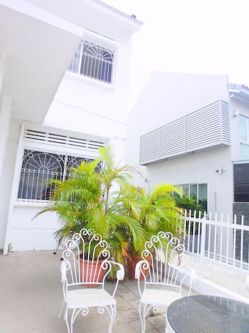Nice Villa RoomA 6mins Walk to MRT! !1mins to bus