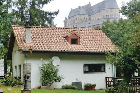 Wochendhaus, Chalet in super Lage in Vianden! - Vianden - Haus