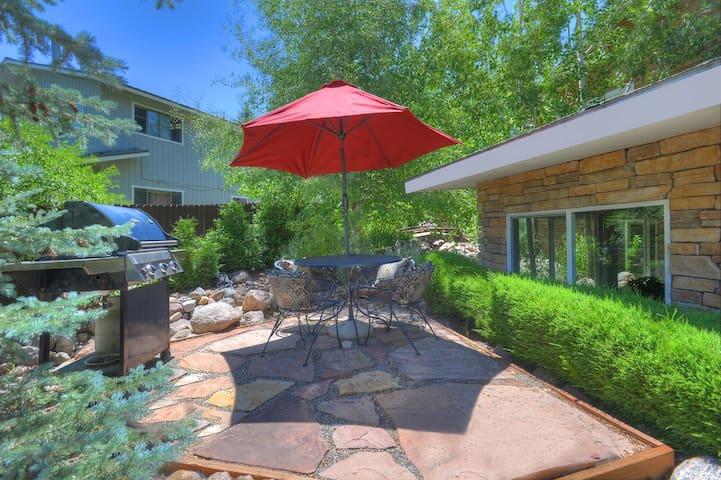 OReillys Inn Garden House In-town Durango