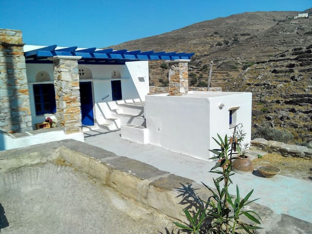 Tinos traditional rural house big outdoor space - Platia
