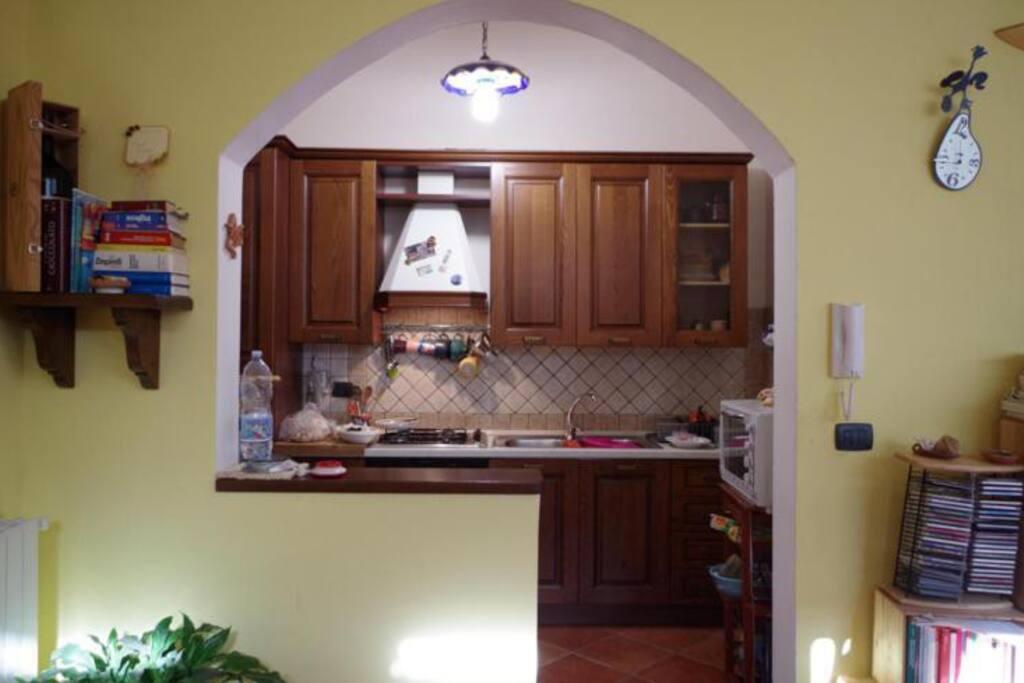 Una cucina comoda e confortevole.