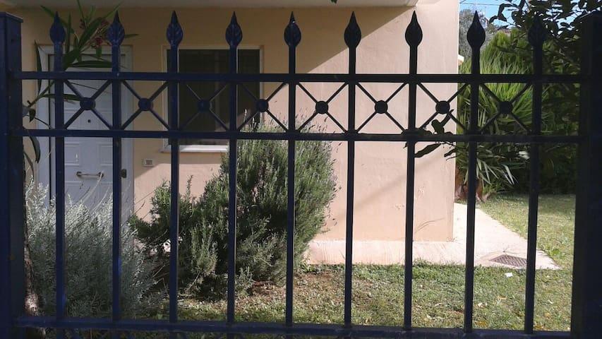 AMAZING STUDIO APARTMENT IN MAROUSI - Μαρούσι - Apartment