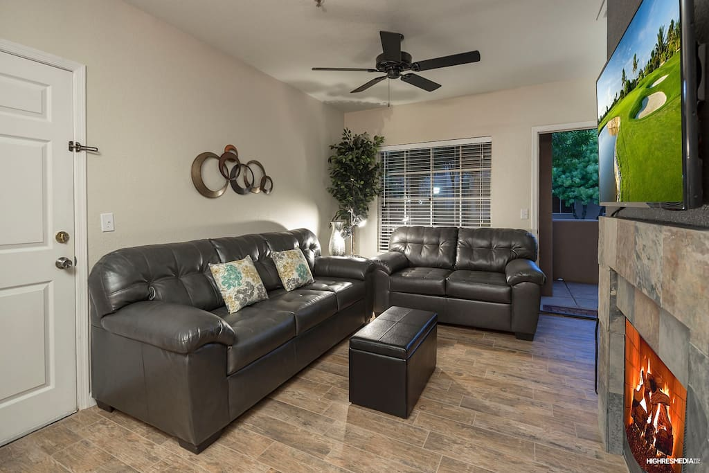 Living area with Seating for 5