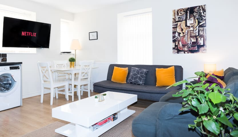 Stylish and Comfortable City Centre Apartment!!