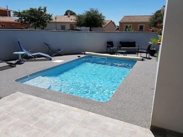 Maison t5 avec piscine priv e proche de toulouse maisons for Piscines colomiers