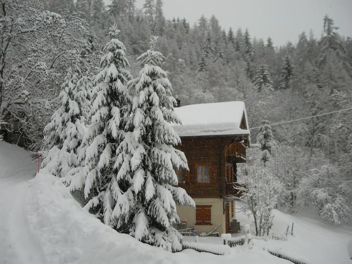 Studio tranquille dans le Val d'Anniviers