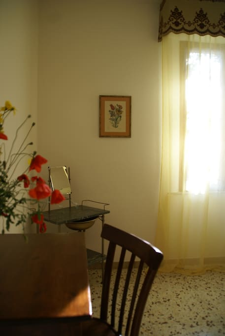 Nearby Montepulciano Fourties Room