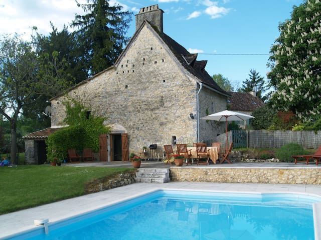 Dordogne Farmhouse & private pool - Beaumont-du-Périgord - Casa