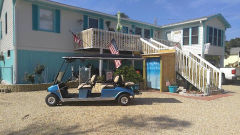 Paradise Retreat: Walk your  dogs on the beach!