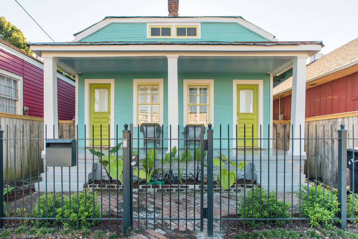 Creole Cottage Suite- Close to Magazine Street