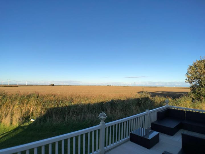 Camber Coast Holidays - Luxury Lodge - Sleeps 9