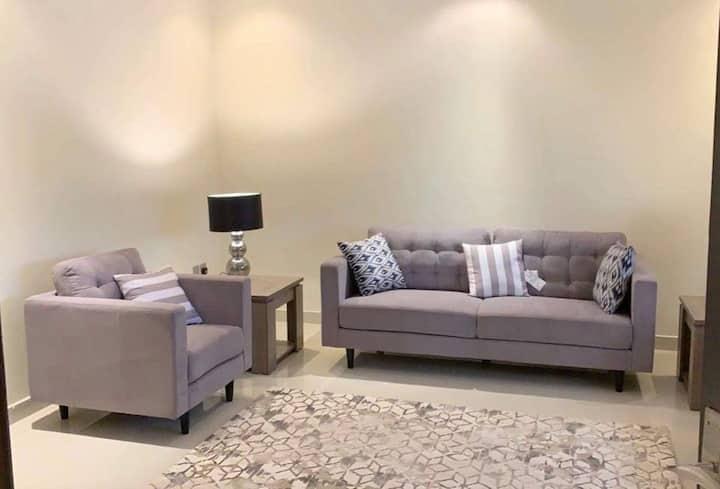 Luxurious Large Apt~New Furniture-شقة كبيره فاخره