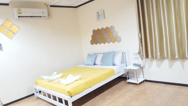 Jomtien Beach, Honey House 4, Room 301