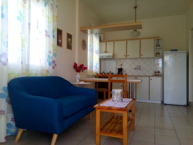 Street apartment with all facilities nearby - Iraklio