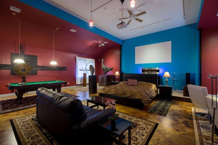 Art Loft Film Museum Experience
