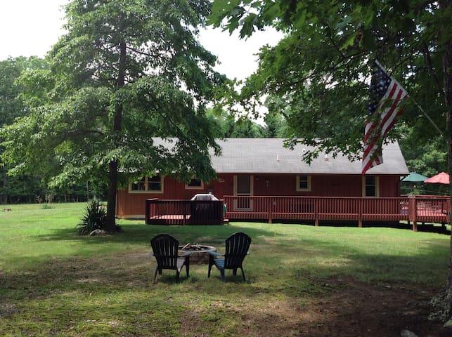 Tranquil Lake Lodge