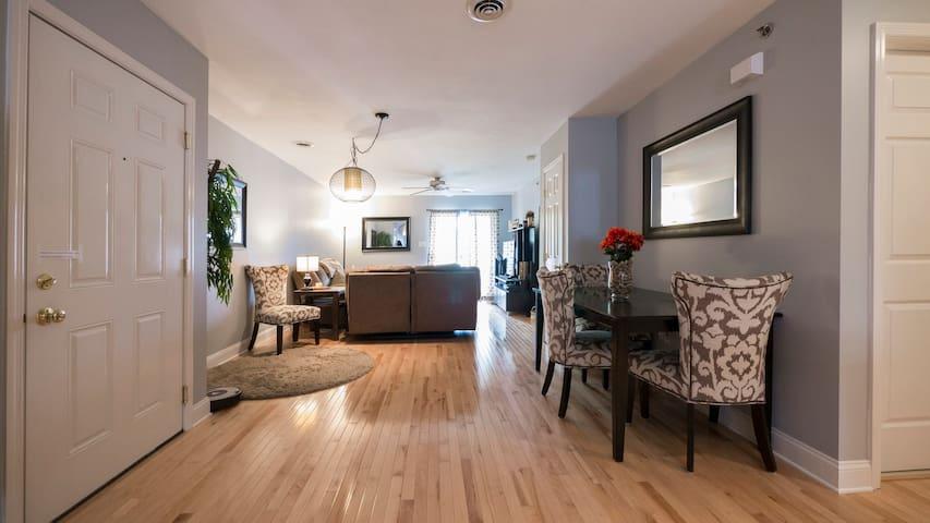 Private room & bath in centrally located condo