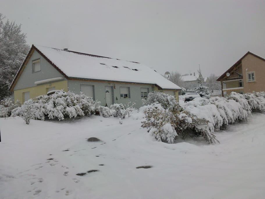 et la neige en hiver, à Noël souvent