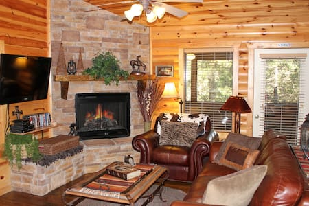 Luxury Cabin - Fireplace - Jacuzzi - Patio