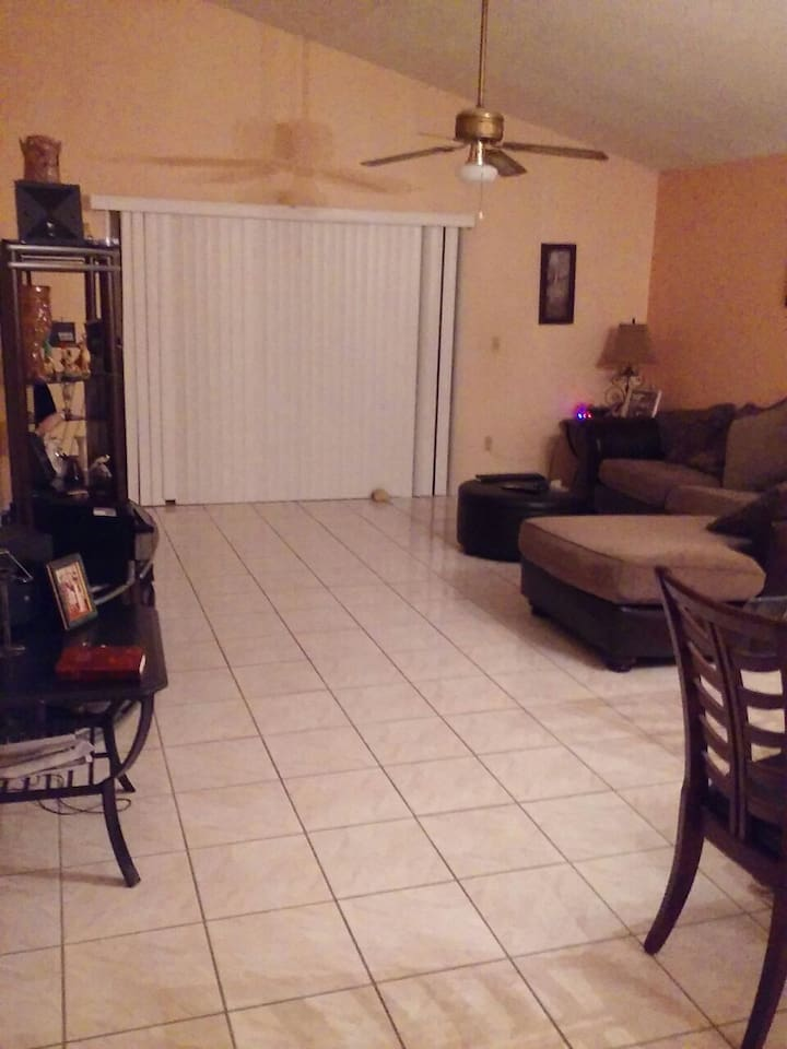 One bedroom fo(URL HIDDEN) East Orlando. Near UCF - Houses for Rent ...