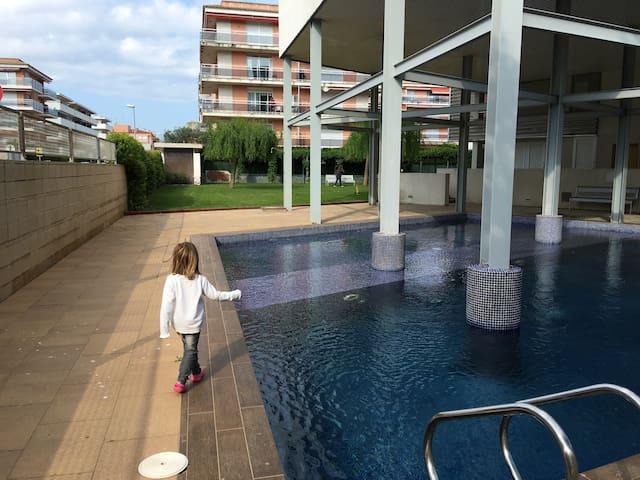 Planta baja 3 habitacion con jardin y piscina - Sant Antoni de Calonge - Appartement