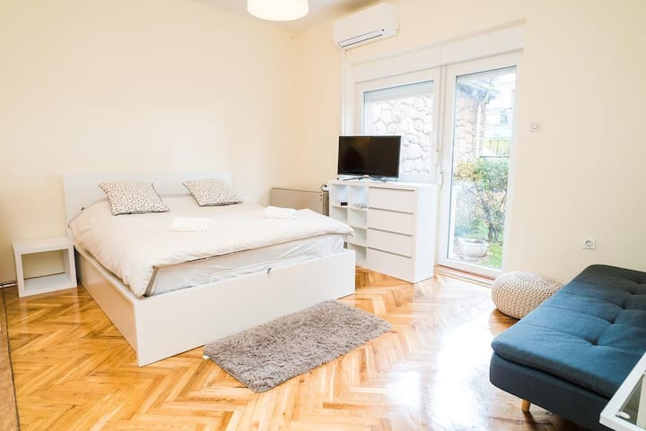 Studio apartment Brith - Cozy home away from home