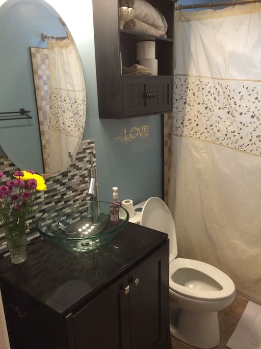This full bath is a few steps away from guest room and on main floor but it is not shared during your stay.