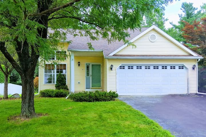 Furnished Spacious Home | Airport | Niskayuna