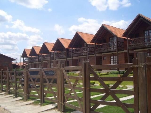 Casa em condomínio em Gratavatá/PE - Gravatá