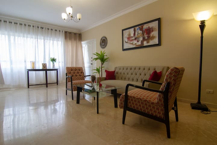 Paraiso - 2 Bedroom Luxury Furnished Apt