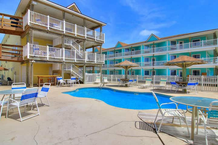 BeachGate CondoSuites and Oceanfront Resort Standard Room 2 Queen Bed 1 Bed 1 Bath Sleeps 4