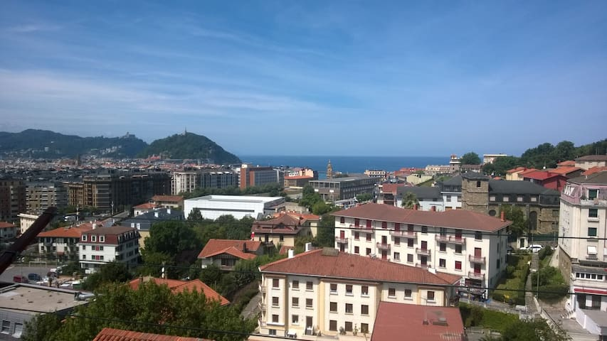 Lovely appartament with sea view - Donostia - Appartement