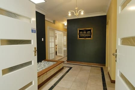 Big Room-Clean Home-7km/10min 2 CBD - Hus