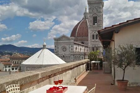 Delizioso, accanto al Duomo