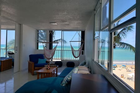 Amazing ocean views in modern Isla Verde apt.