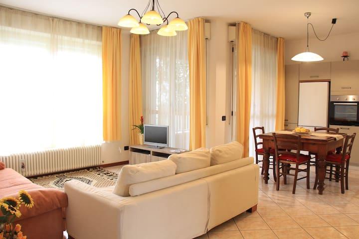 """Appartamento Beatrice""+ colazione - Cesena - Leilighet"