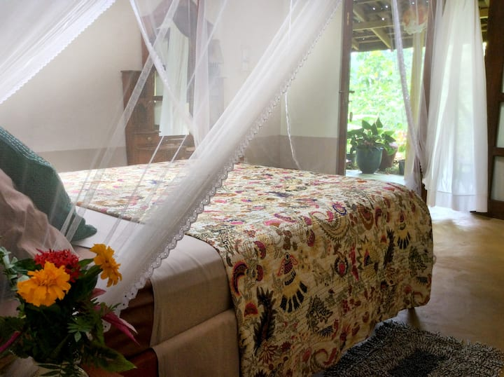 Natural Mystic Sanctuary - Valley View - Room 1