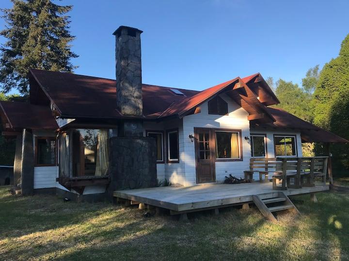 Habitación doble con desayuno en casona de campo