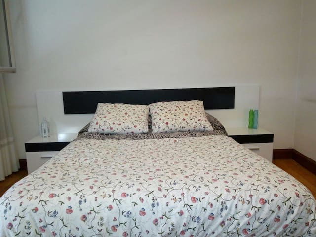 Private apartment near old town. Cerca casco viejo