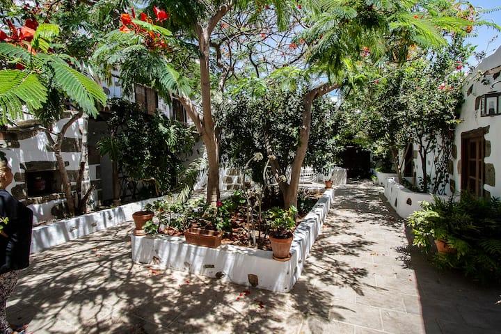 La casa del  patio canario