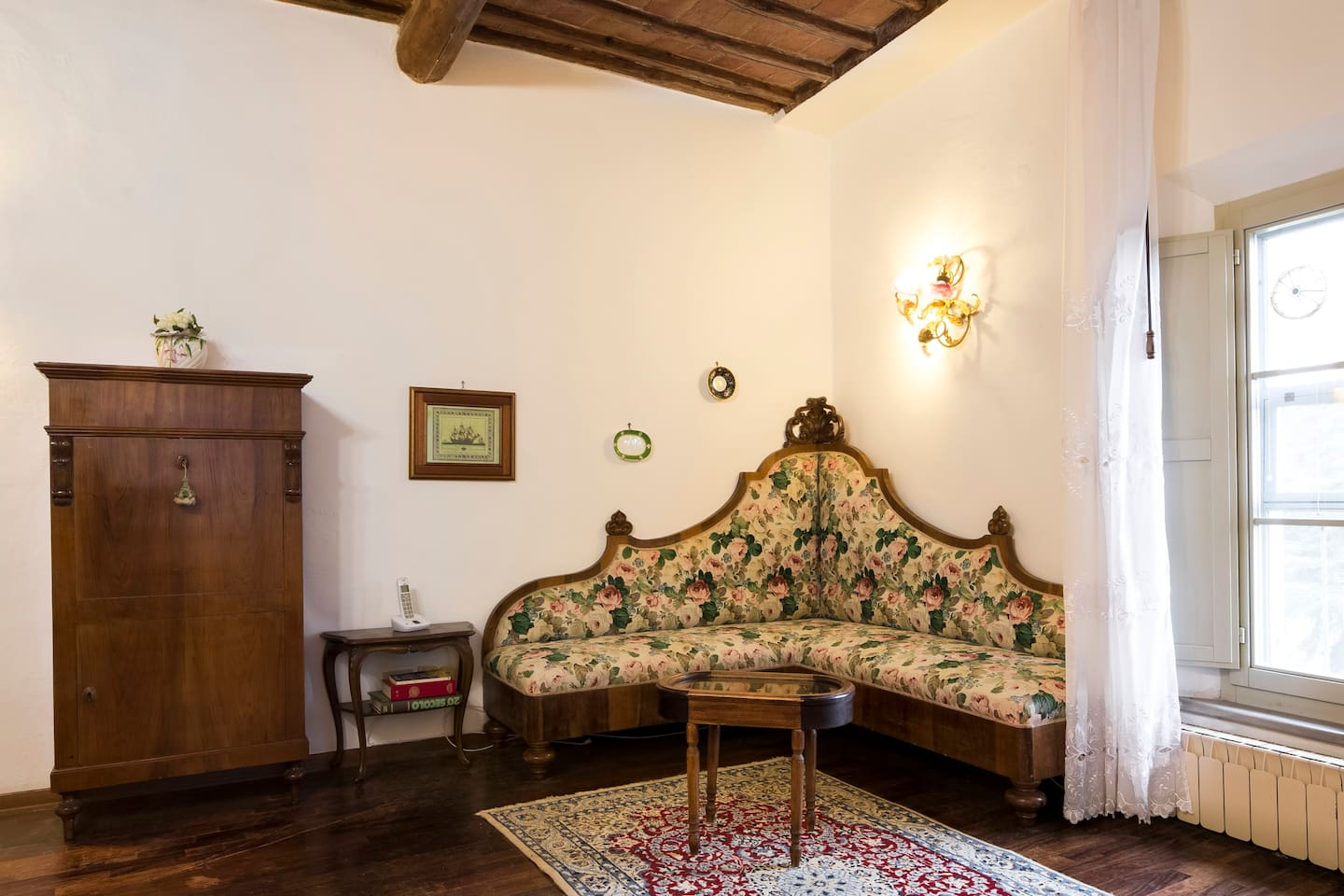 Sitting-room with typical Tuscan furniture