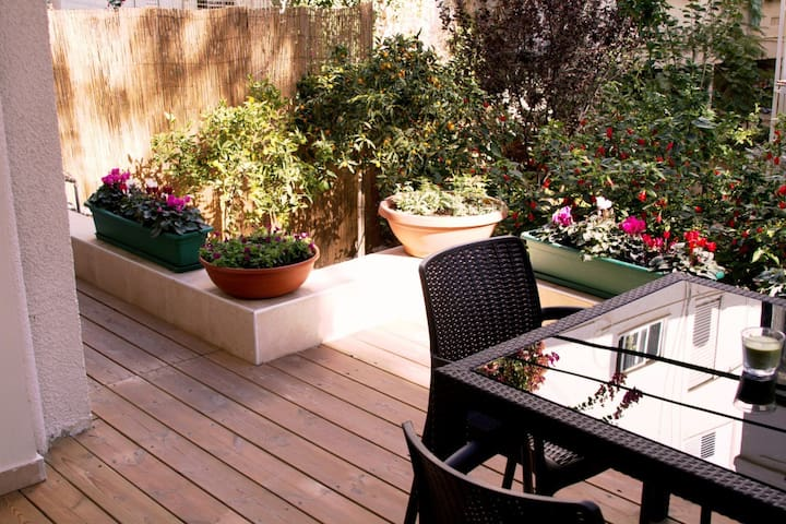 GARDEN  1BR near Gordon Beach - Tel Aviv - Flat