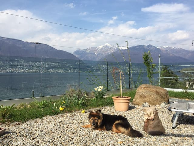 House with excellent lake view - S. Nazzaro  - Haus