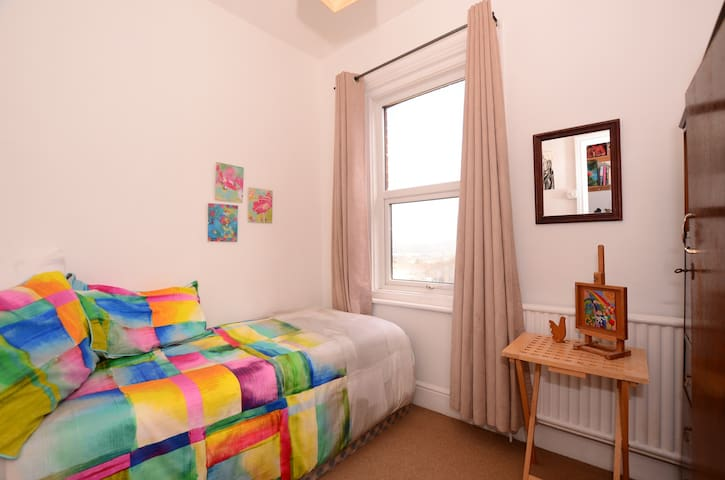 Cosy Single Bedroom, Stunning View! - Newhaven